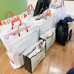 Pasalubong shopping at Lotte Mart.