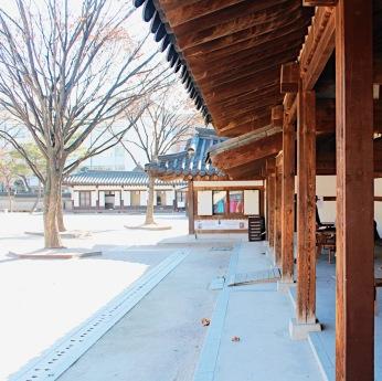 Photo taken at Unhyeongung Palace.